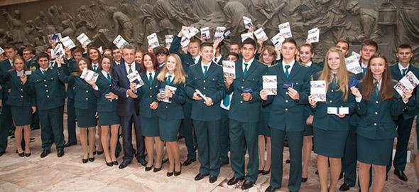 В нашем центра Вы можете пройти все предлагаемые Санкт-Петербургским филиалом Российской таможенной академии виды курсов для таможенных декларантов, брокеров и специалистов по таможенным операциям.